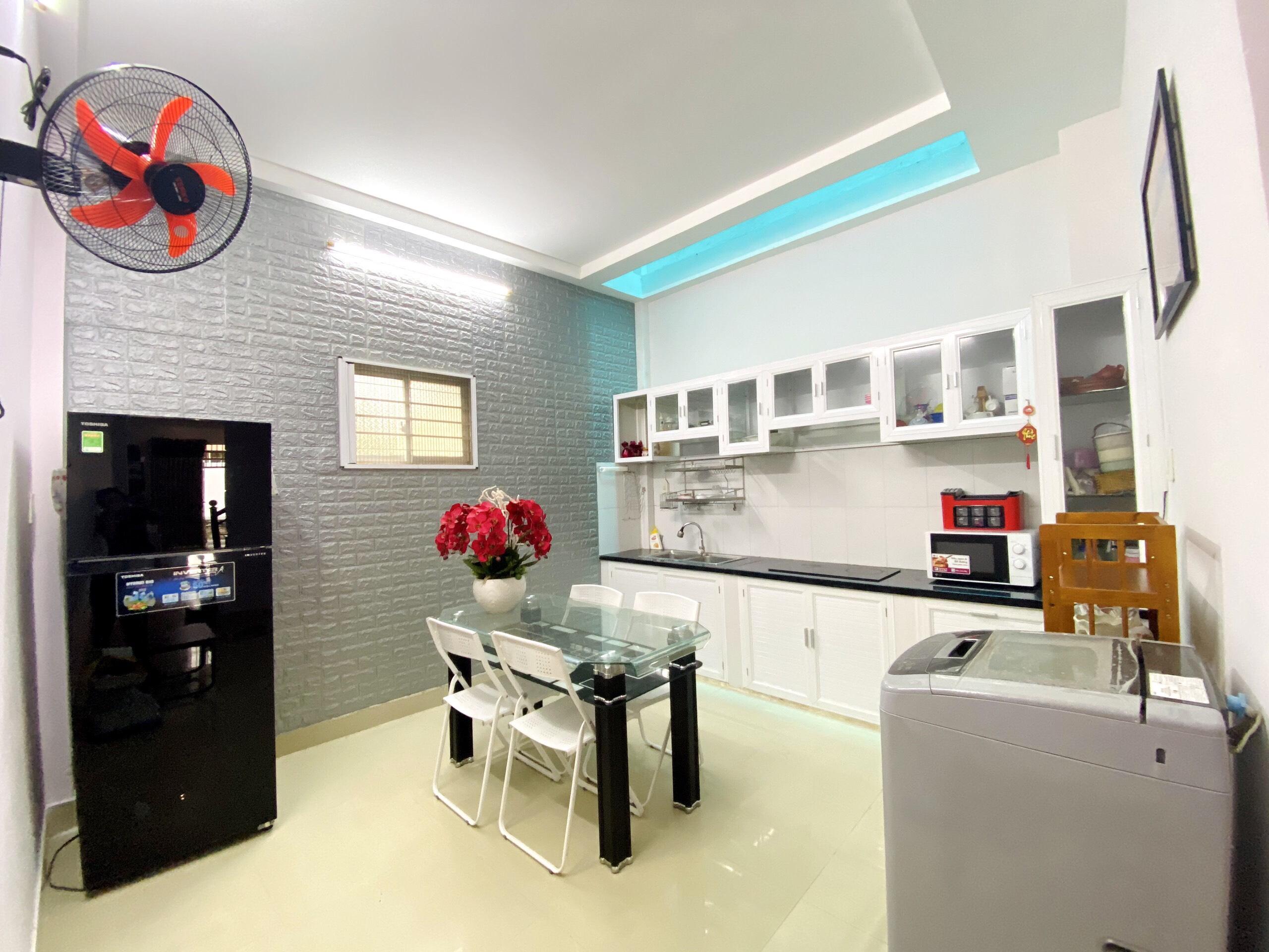 Cần bán nhà 2 tầng siêu đẹp hẻm Lương Định Của, Ngọc Hiệp, Nha Trang