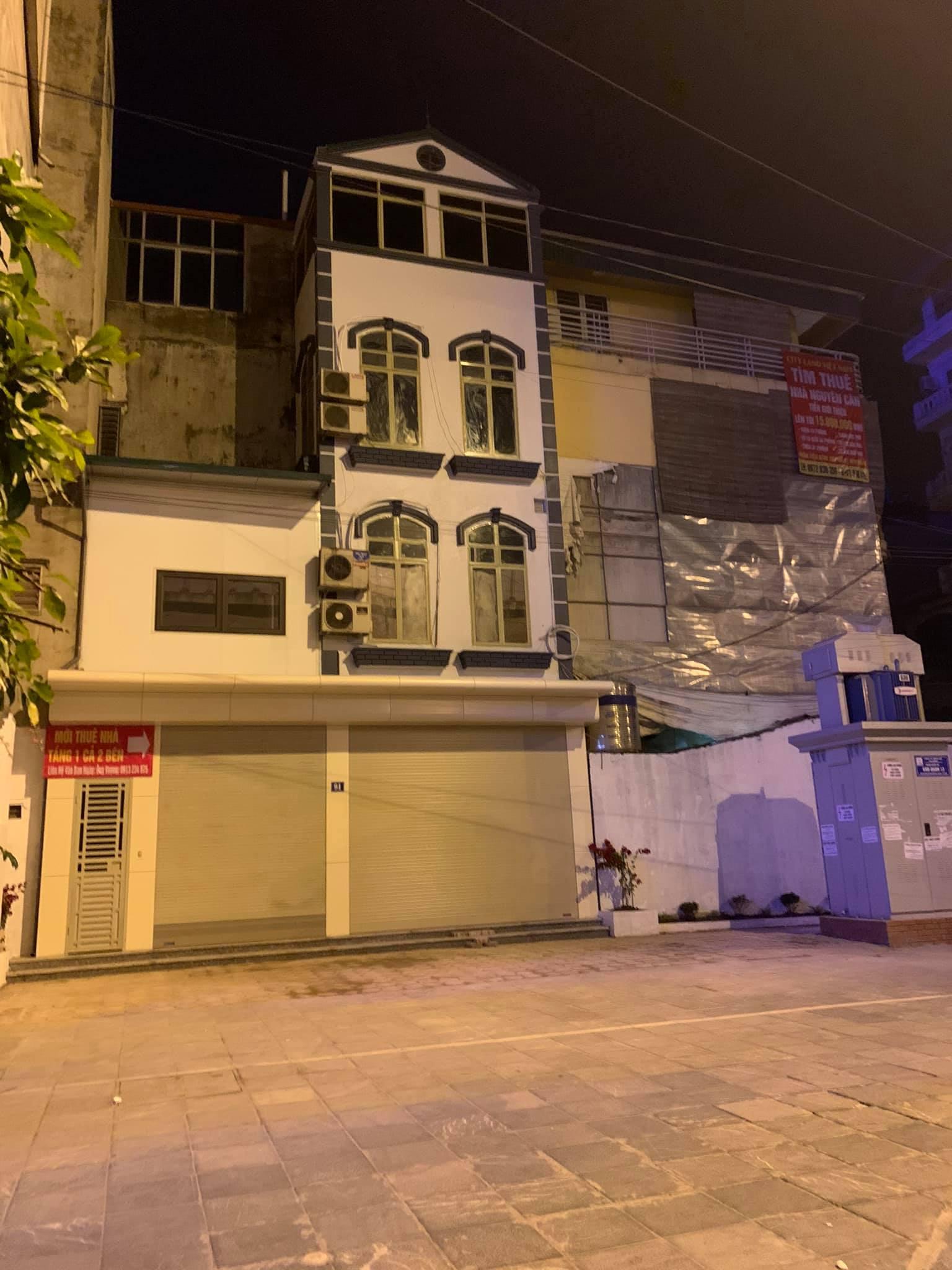 Cho thuê MP Xã Đàn KD nhà hàng, lẩu nướng MT 13m, DT 240m2, 3 tầng, giá: 58 tr/th,