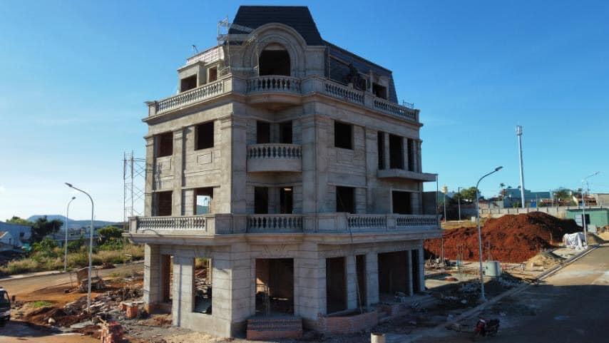 Bán nhà nguyên căn đang xây 4 tầng như hình Thanh toán 1 tỷ 117 triệu là nhận nhà
