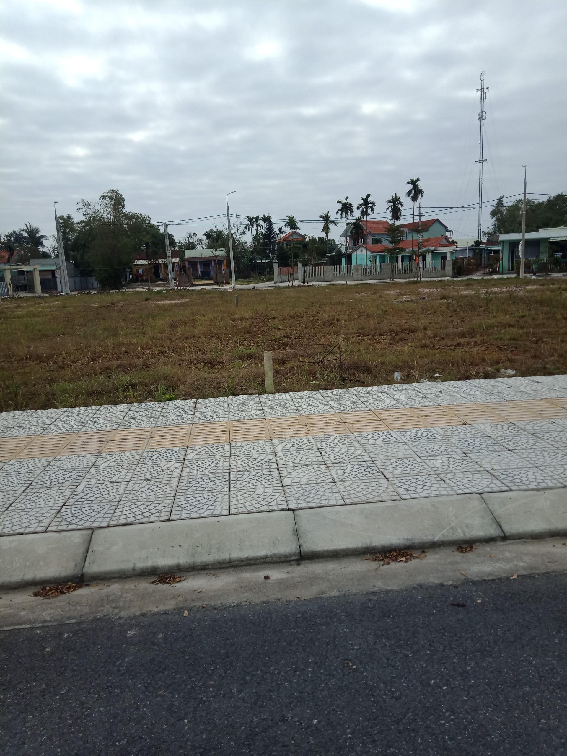Chuyển công tác cần sang lại lô đất 170m2, đường 12m