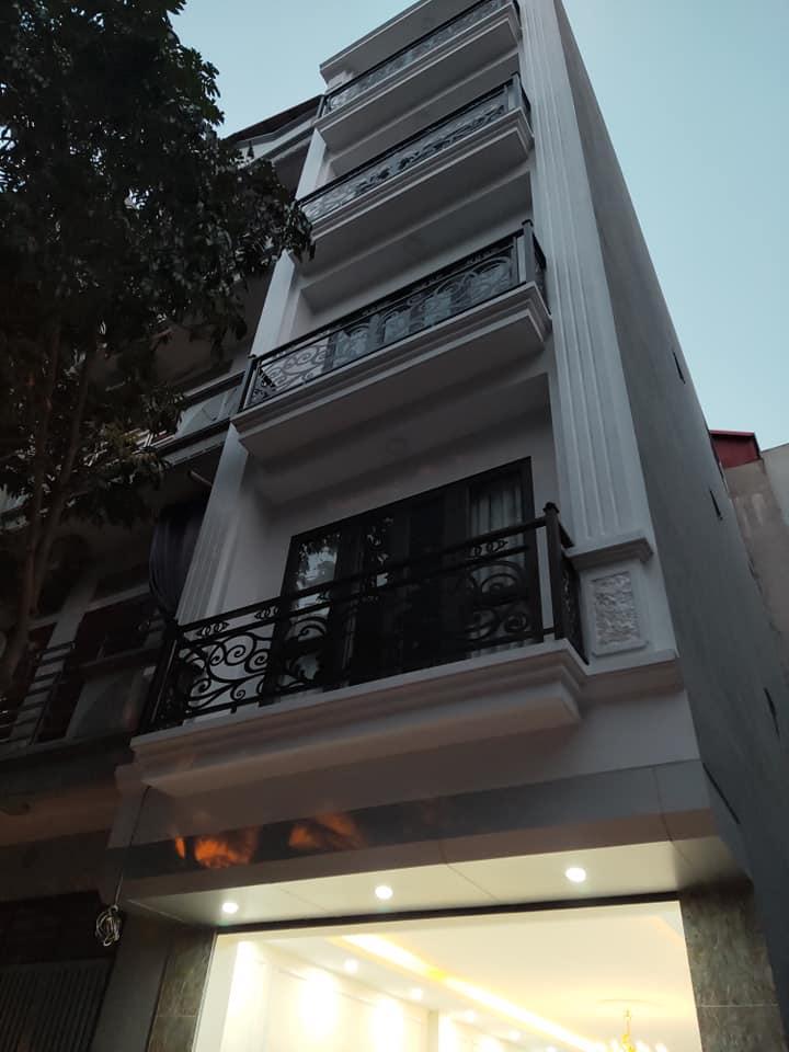 Cần tiền bán gấp nhà phố Vũ Tông Phan 55m x 5 tầng,giá 65 tỷ