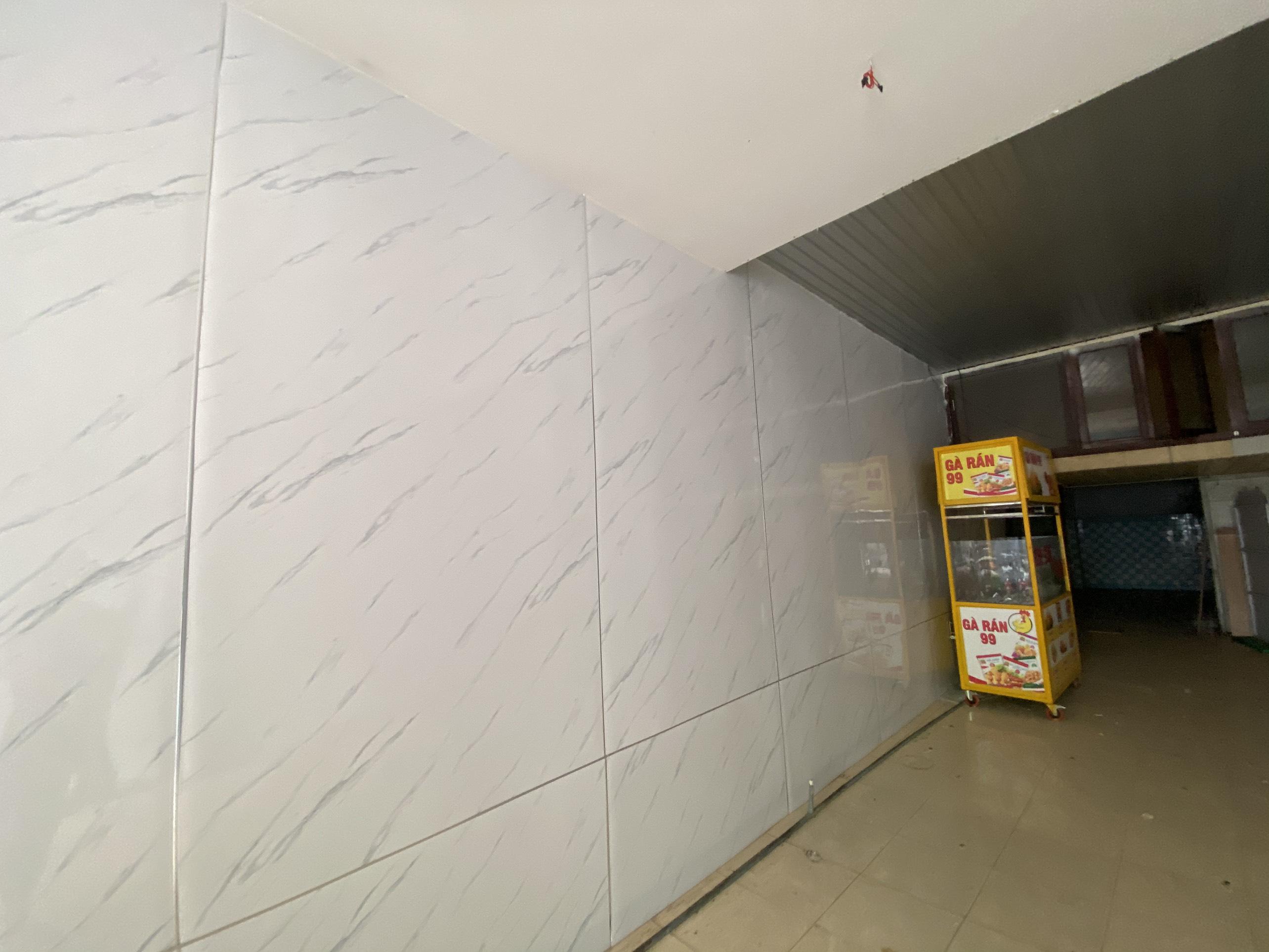Cho thuê nhà cấp 4 gác lửng đường Hùng Vương, 5x20m - 20 triệu