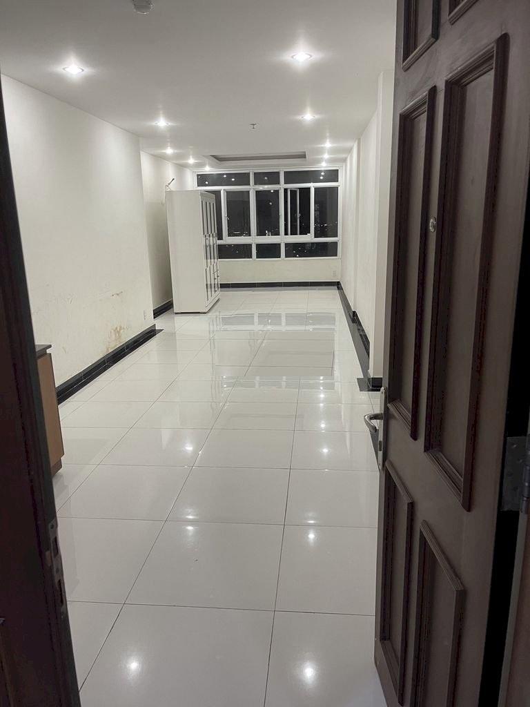 Cần cho thuê gấp căn hộ Giai Việt Quận 8 , Diện tích 115m2 , 2 phòng ngủ , nhà trống