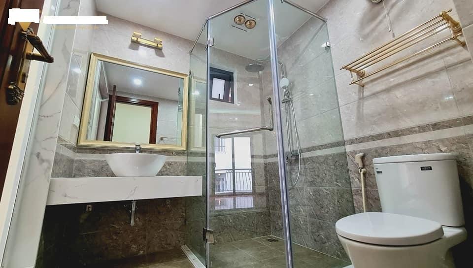Bán toà nhà văn phòng mặt phố ở Đền Lừ 70mx7T,thang máy, giá 22 tỷ