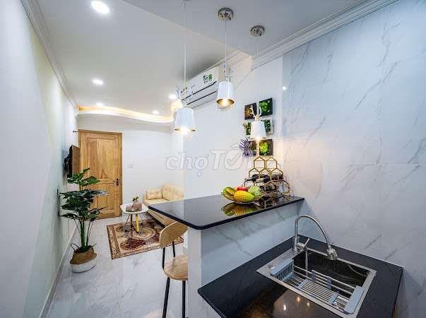 Cho thuê căn hộ dịch vụ đầy đủ nội thất, tiện nghi, 1 phòng ngủ giá chỉ 8 Triệu mặt tiền đường Quận 1