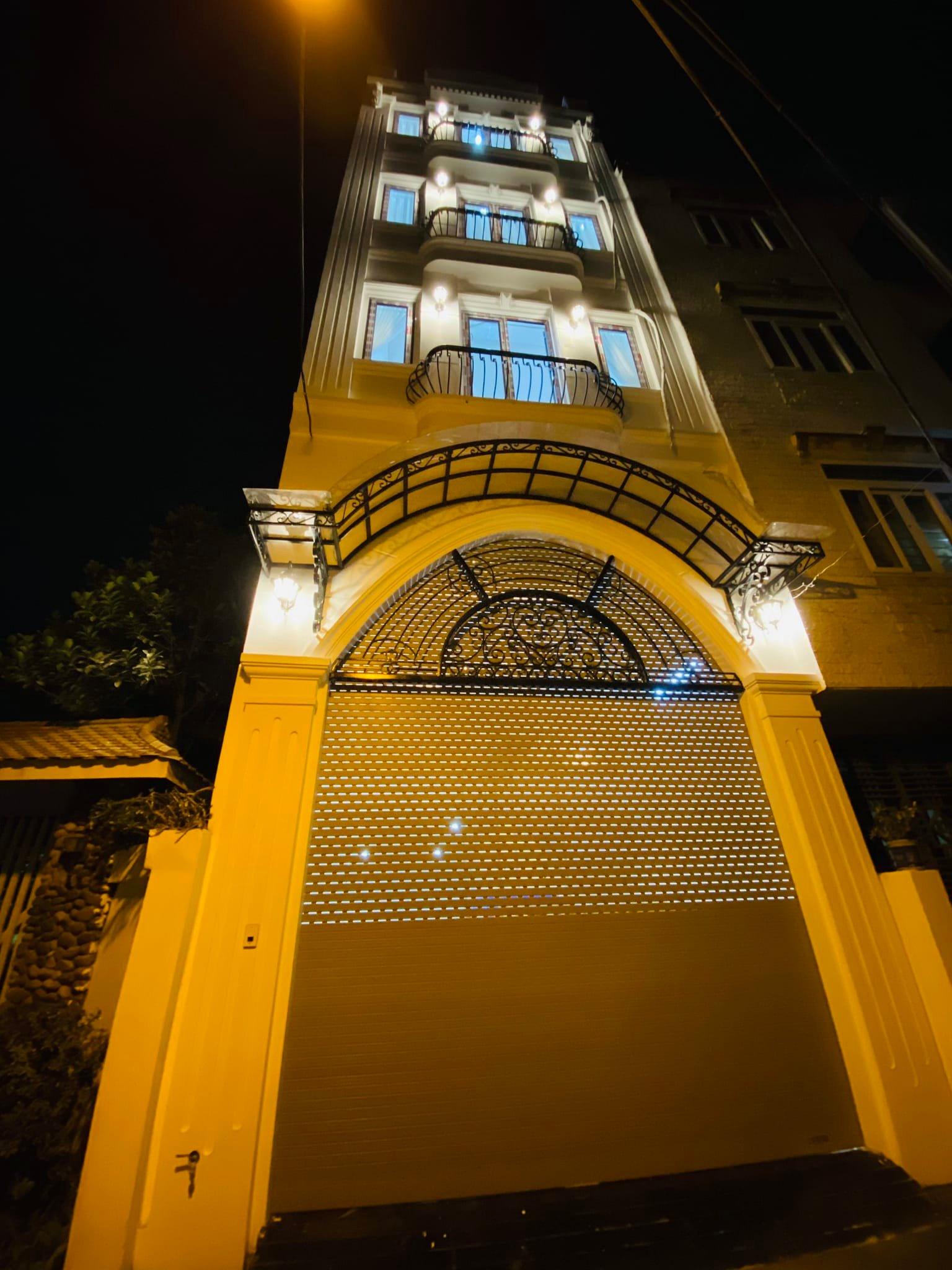 Chính chủ bán nhà mặt phố Văn Phú Hà Đông 45mx7T thang máy
