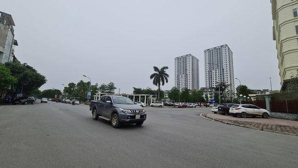 Cần bán gấp nhà mặt phố Ngọc Lâm,2 mặt tiền,kinh doanh đỉnh 55m nhỉnh 11 tỷ
