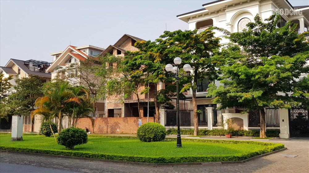 +1 CC BÁN GẤP |Nhà vườn đô thị Việt Hưng| Long Biên| DT 120M2 |MT6M | Giá 118 tỷ
