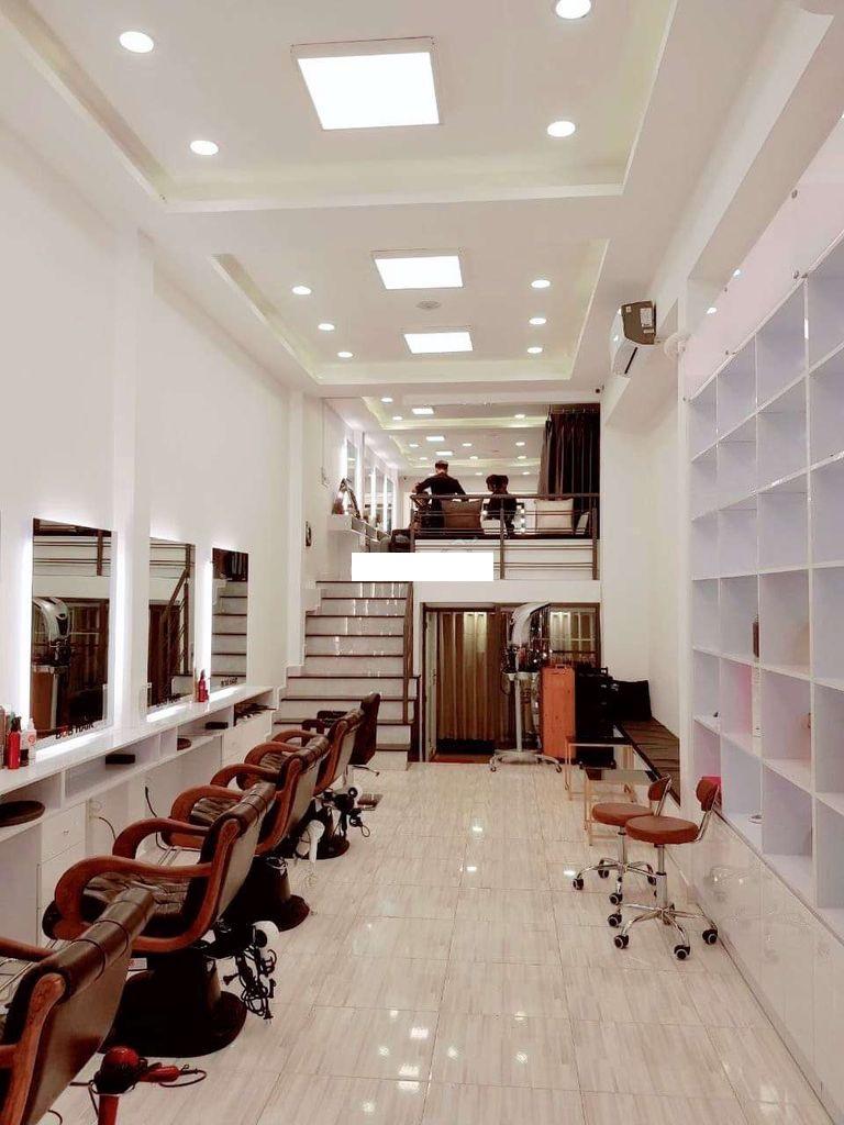 Cho thuê nhà Quận Phú Nhuận- Nhà MT đường Lê Văn Sỹ