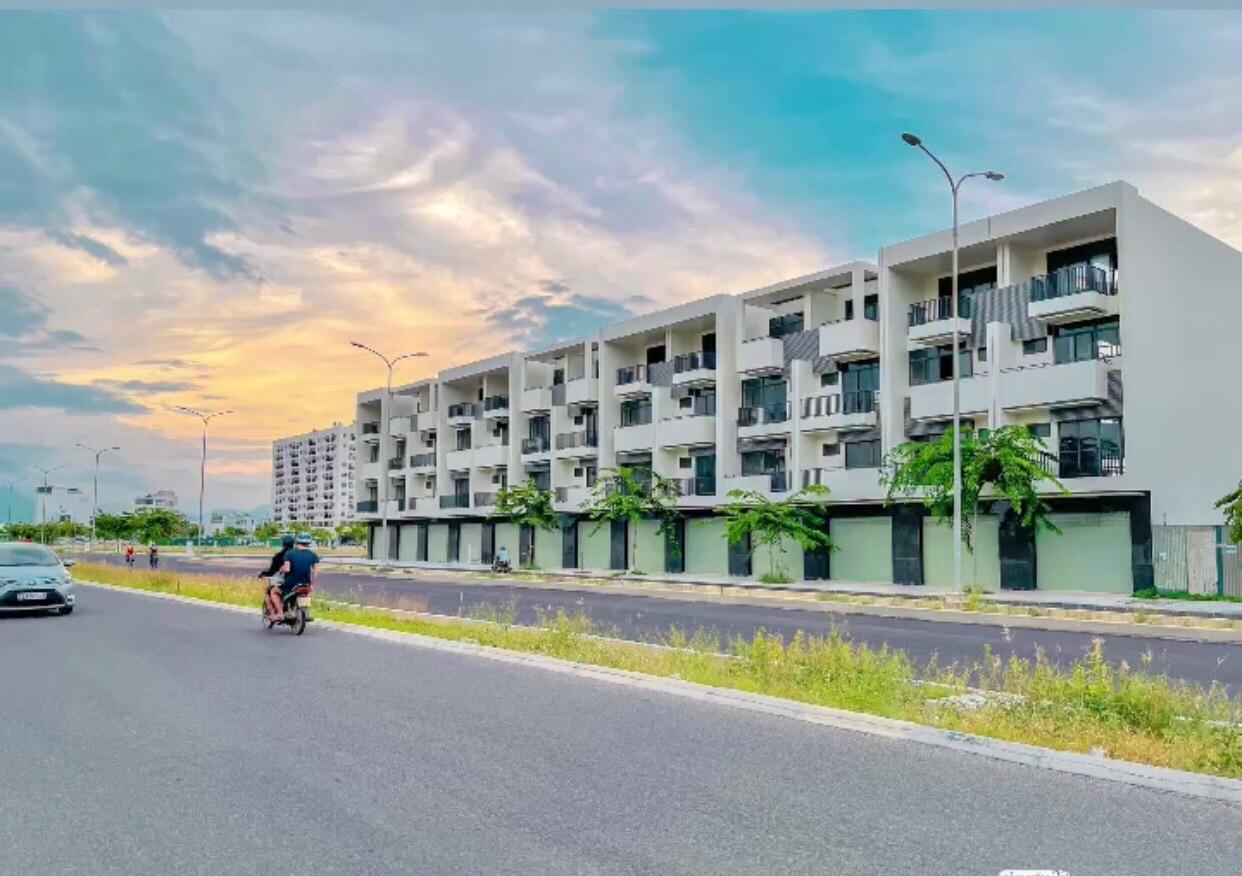 Shophouse 5,5tỷ/căn 4 tầng, mặt tiền 45m hoàn thiện mặt ngoài trung tâm TP Nha Trang