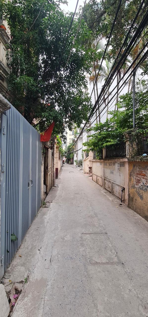 Bán gấp nhà Bồ Đề,Long Biên, Ô tô đỗ, DT 49m2x 5T , giá chỉ hơn 3 Tỷ