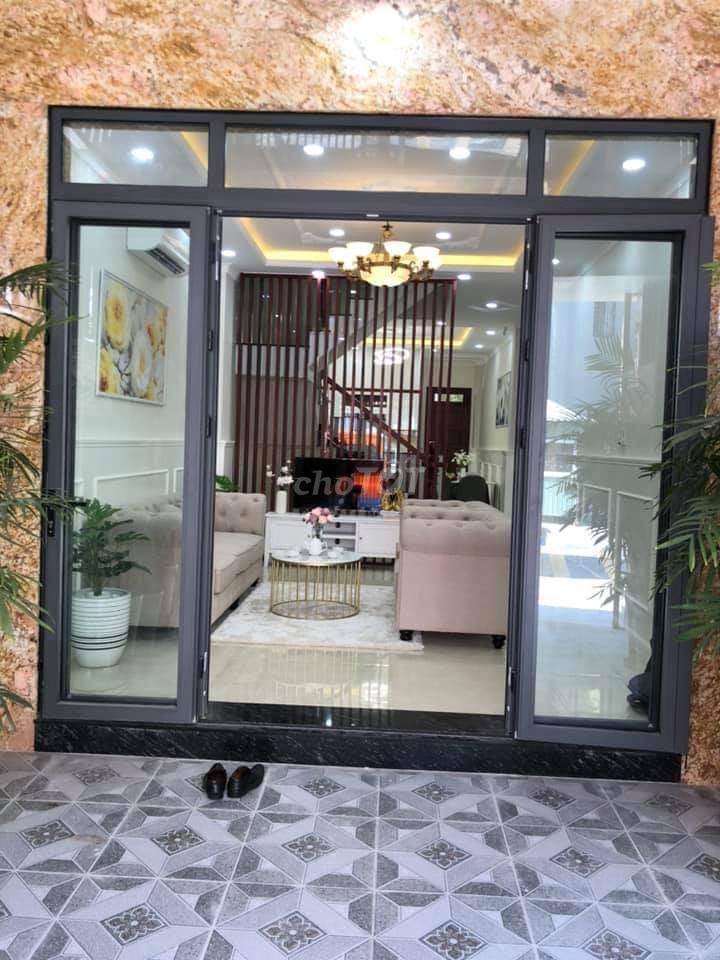 Bán nhà hoàn thiện TP Dĩ An, nhận nhà ở ngay full nội thất, có hỗ trợ Ngân hàng