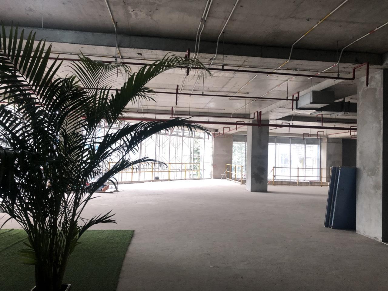 Cho thuê mặt bằng thương mại Stellar Garden, 35 Lê Văn Thiêm, 2600m2 giá 270 nghìn/m2/th
