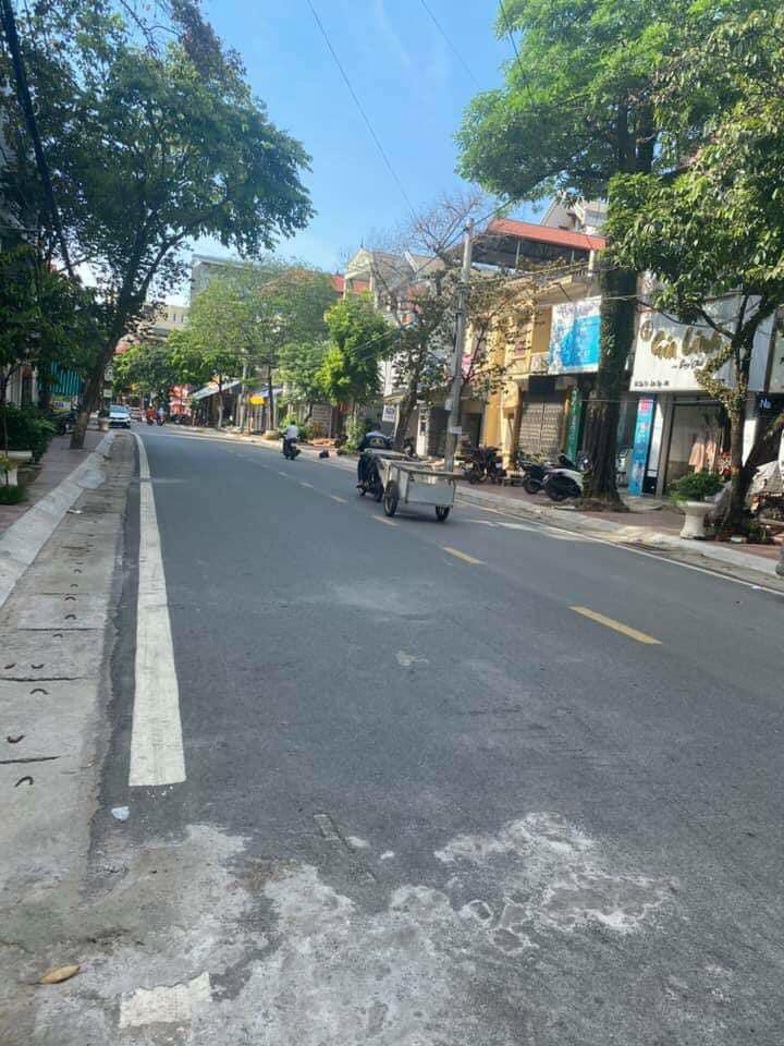 Cần bán đất mặt phố Cầu Trì phường Sơn Lộc, thị xã Sơn Tây ,hà nội