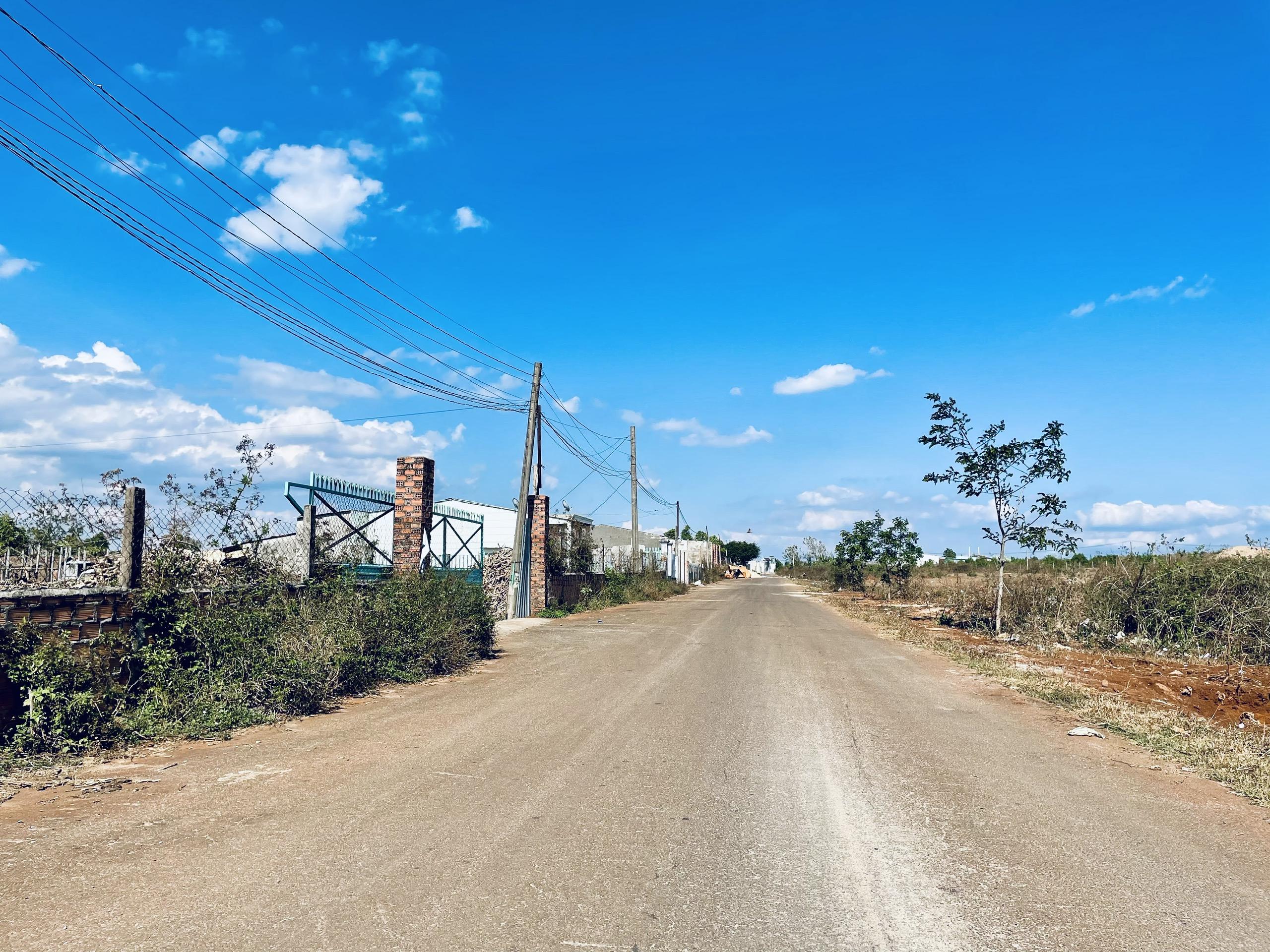 Cần bán 1000m2 đất nông nghiệp gần khu du lịch Biển Hồ