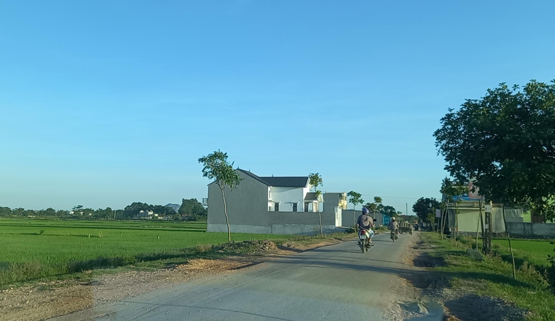 Bán lô đất nền 120m2, MT 6m, gần cao tốc Ninh Bình - Thanh Hoá, giá chỉ 950 triệu