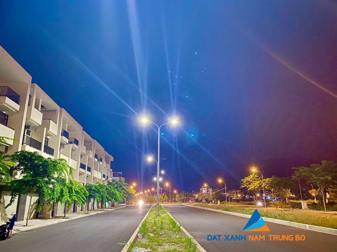 Shophouse 1 trệt 3 lầu lần đầu tiên tại trung tâm Tp Nha Trang giá chỉ 5,5 tỷ/căn