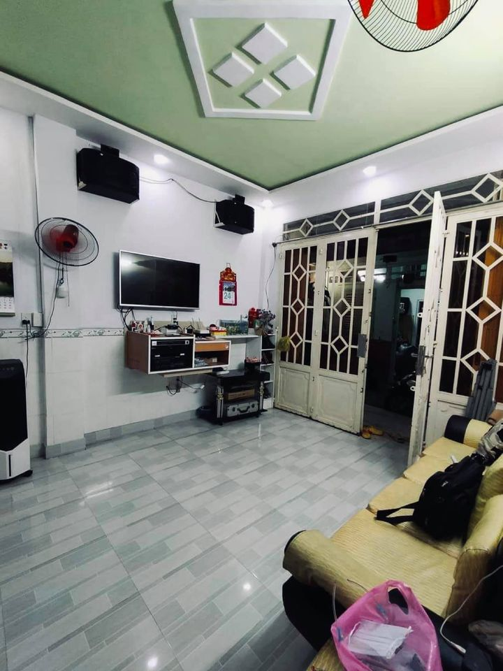 Nhà Trần Văn Quang chính chủ lấu đời 33M2 - hẻm XH - 4 Tỷ