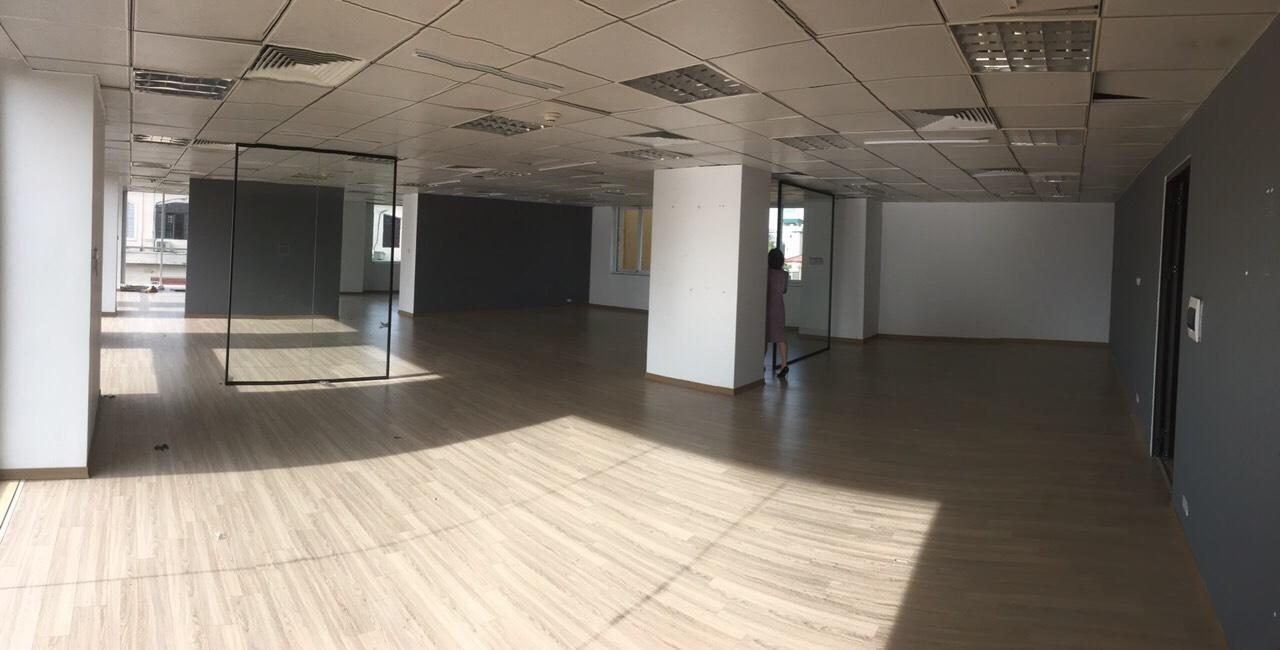 Cho thuê văn phòng 185m2 mặt phố Trần Quốc Toản, Hoàn Kiếm, Hà Nội