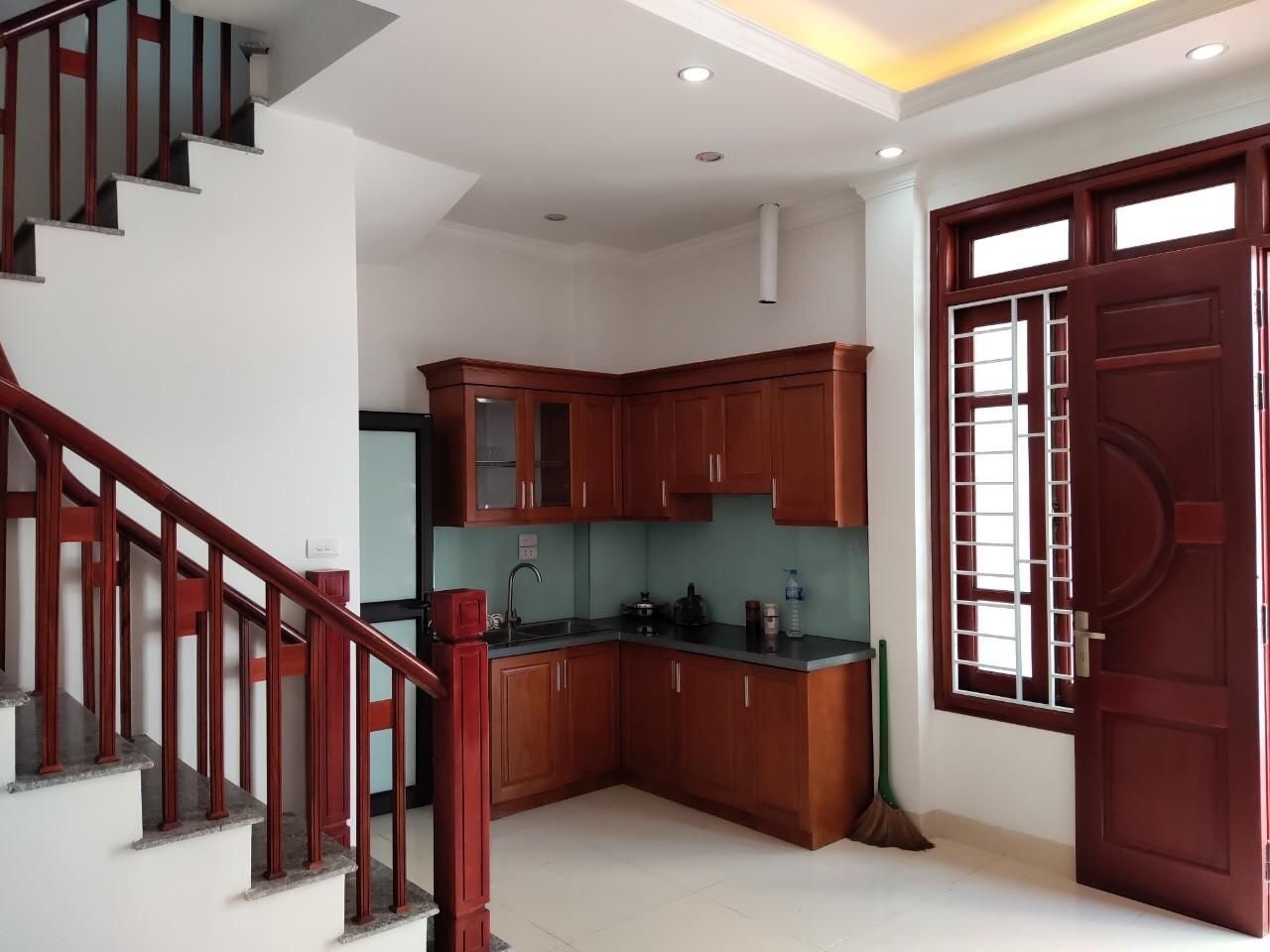 Cần bán Nhà riêng đường Bát Khối, Phường Long Biên, Diện tích 30m², Giá 2,5 Tỷ - LH: 0984142941