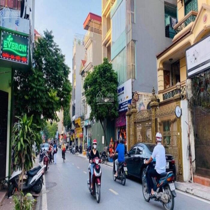 Cần bán Nhà mặt tiền đường Hoàng Như Tiếp, Phường Long Biên, Diện tích 100m², Giá 25 Tỷ