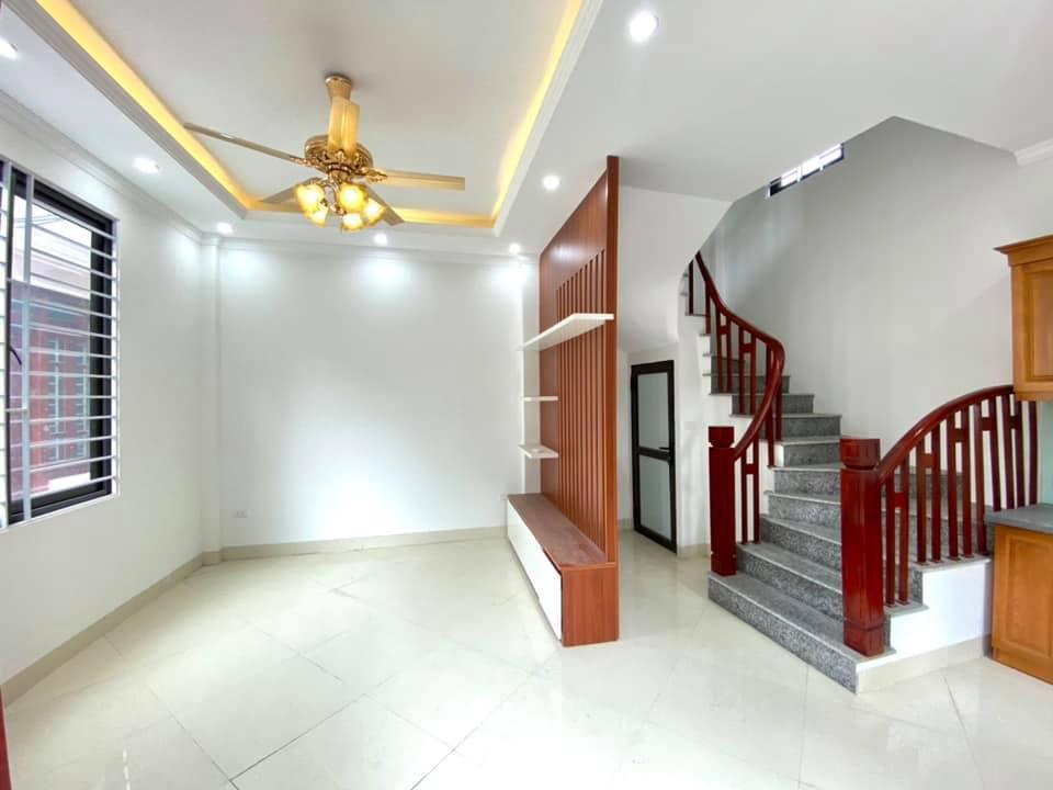 Cần bán Nhà mặt tiền đường Bát Khối, Phường Thạch Bàn, Diện tích 33m², Giá 2.5 Tỷ