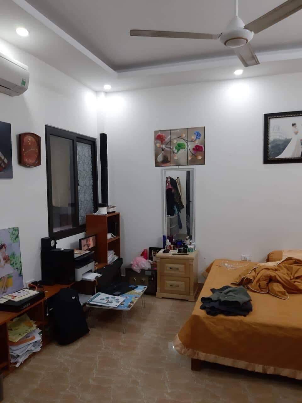 Cần bán Căn hộ chung cư đường Cổ Linh, Phường Long Biên, Diện tích 31m², Giá 1.65 Tỷ - LH: 0964855869