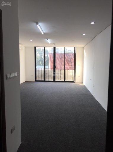 Chính chủ cho thuê văn phòng dt 40m2 mặt phố Trương Hán Siêu, Hoàn Kiếm.