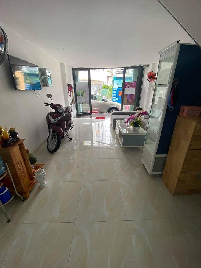 Cần bán Nhà mặt tiền đường Chu Văn An, Phường 12, Diện tích 50m², Giá 9.5 Tỷ - LH: 0907686636