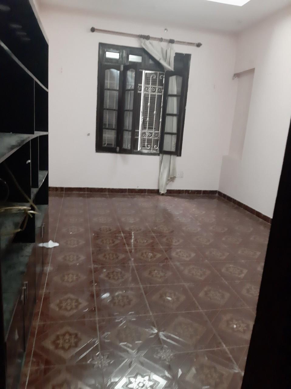 Cho thuê Nhà ở, nhà cấp 4, nhà hẻm đường Lạc Trung, Phường Vĩnh Tuy, Diện tích 65m², Giá 12.5 Triệu/tháng - LH: 0818011234