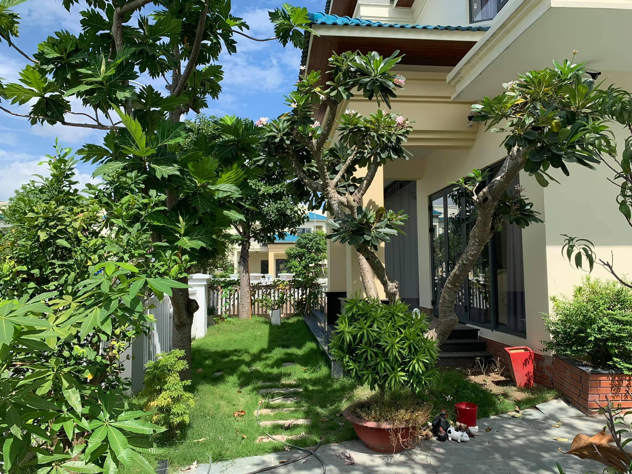 Cần bán Biệt thự đường Ái Mộ, Phường Bồ Đề, Diện tích 200m², Giá 22.9 Tỷ - LH: 0984142941